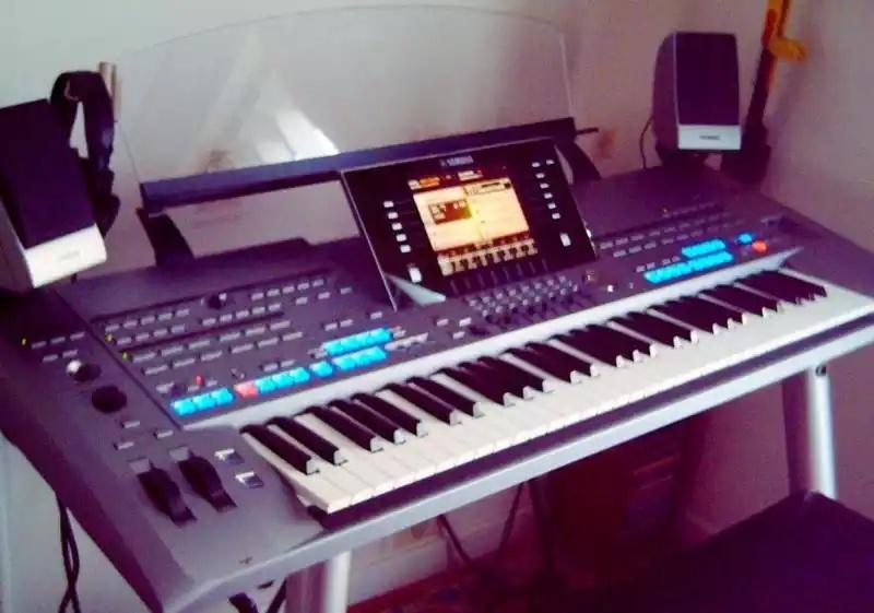 for sale yamaha tyros 5 workstation keyboard my annunci prezzi economici. Black Bedroom Furniture Sets. Home Design Ideas