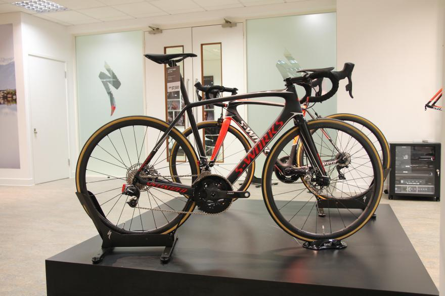 2017 Specialized S-Works Tarmac Disc eTap 01 - Copy.jpg