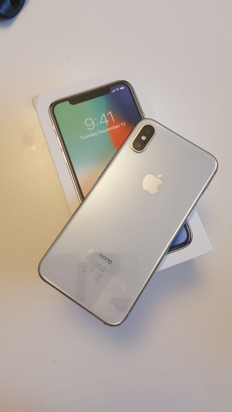Apple iPhone X,..jpg